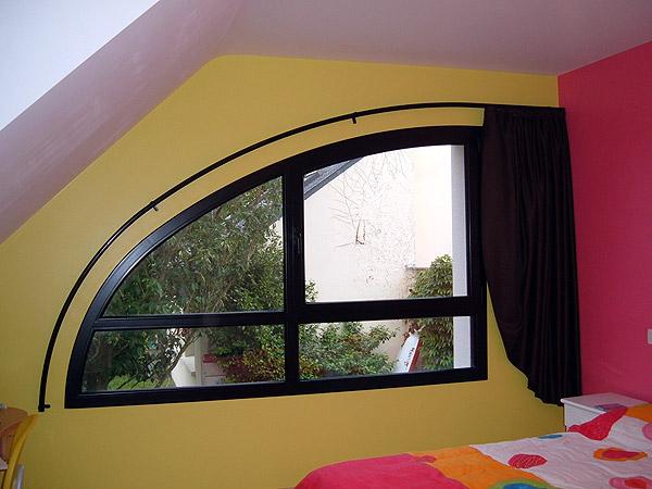 Tapissier ameublement decoration interieur a vannes tapisserie rideaux voilage store fauteuil - Tringle a rideau arrondie ...